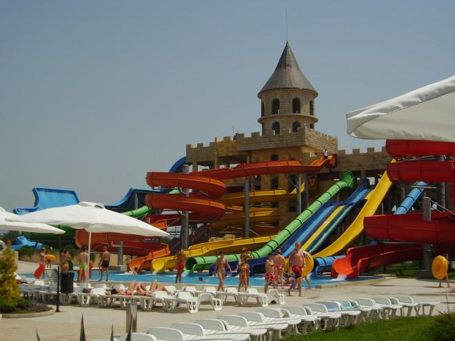 Аквапарк Аква-Парадайз. Болгария