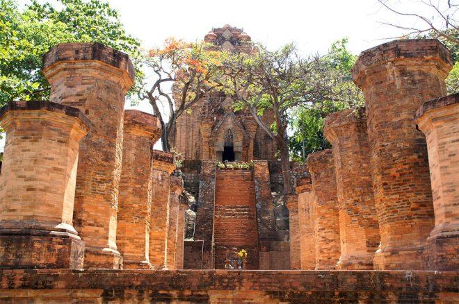 Башни богини Понагар