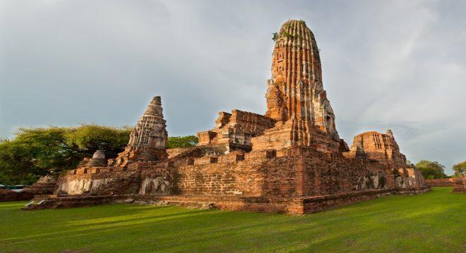 Храм WatPhraRam