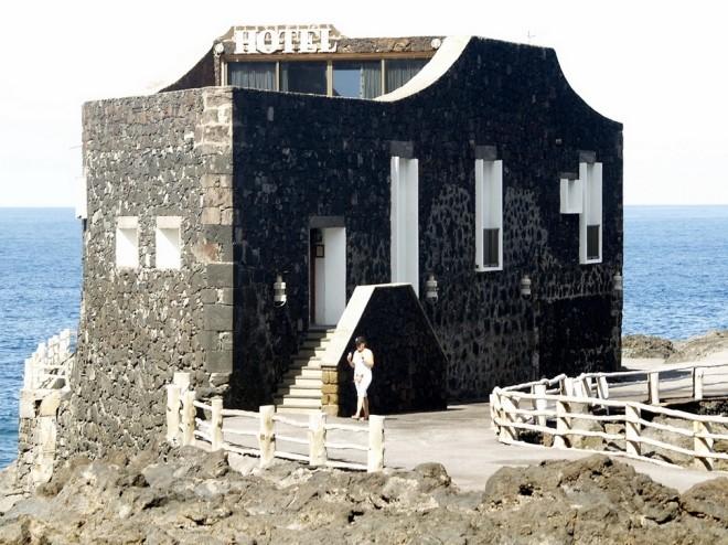 Самый крохотный в мире отель Пунта Гранде