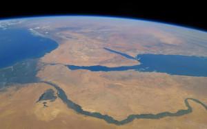 Река Нил съемка со спутника