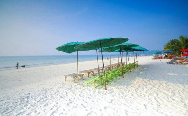 Один из пляжей Районга