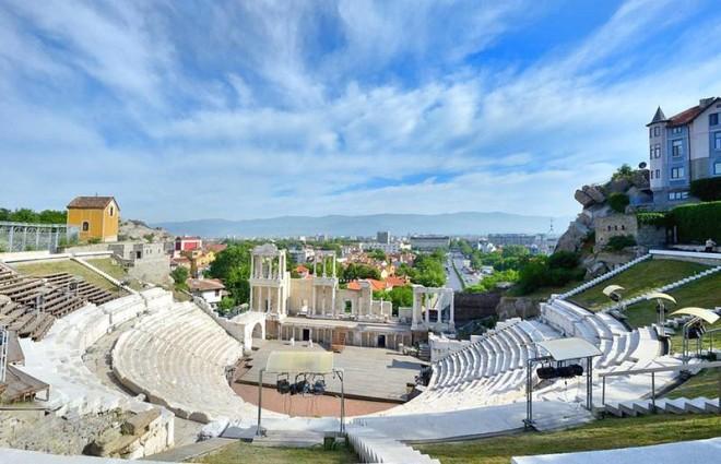 rimskii-amfiteatr_1_w800